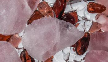 Розовый кварц и гранат